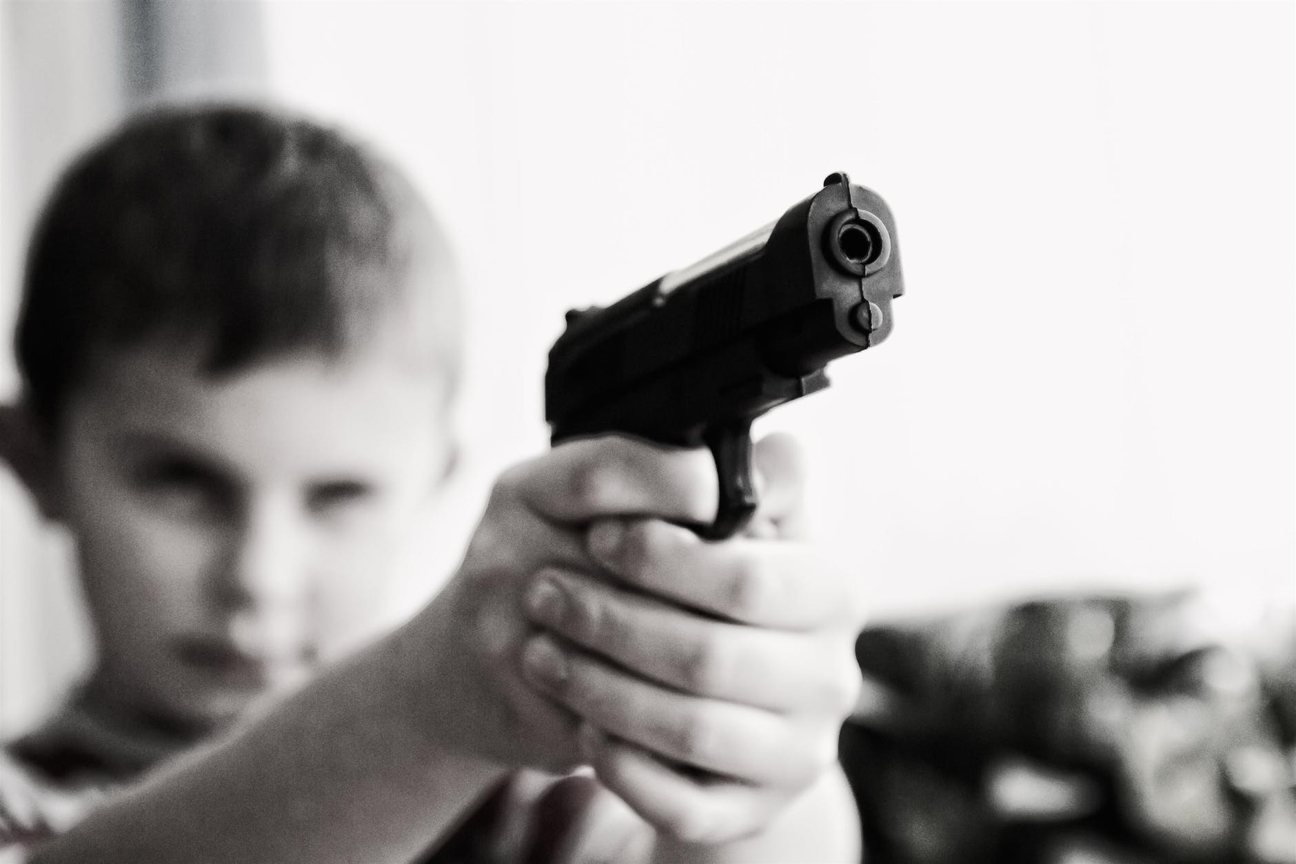 weapon-violence-children-child-52984.jpeg